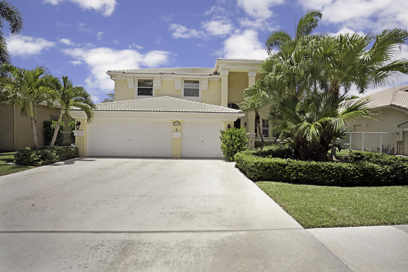 6538 Stonehurst Circle Lake Worth, FL 33467