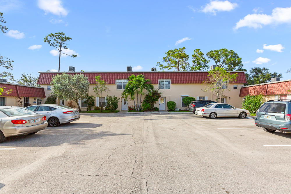 628 Laconia Circle B Lake Worth, FL 33467