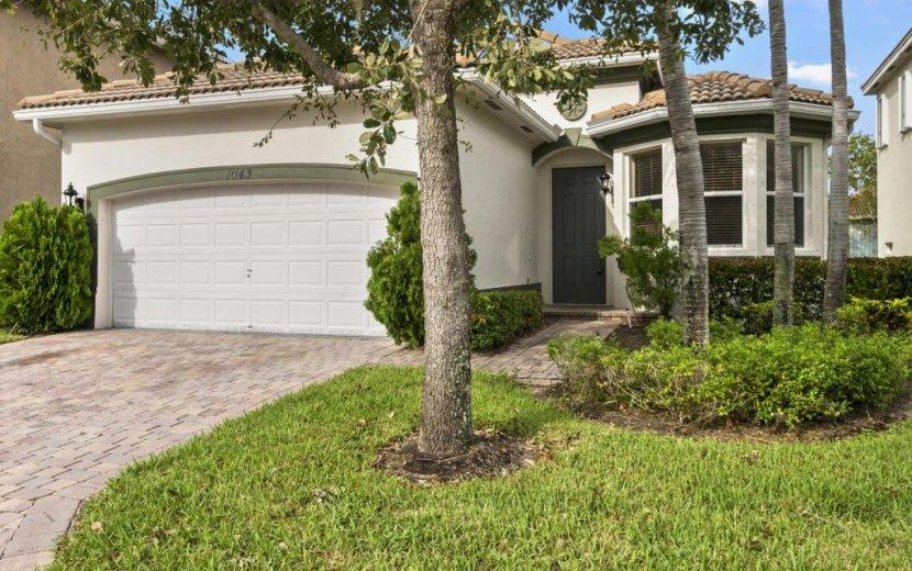 Home for sale in THOUSAND OAKS Riviera Beach Florida