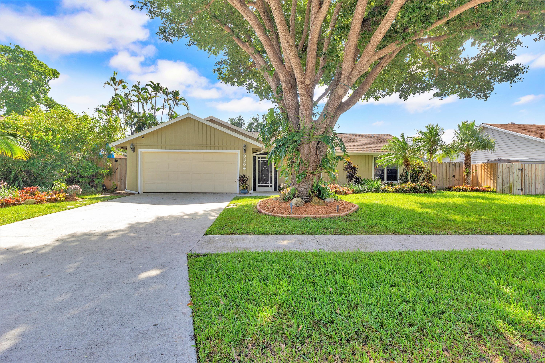 Home for sale in WOODSIDE 2 Boynton Beach Florida