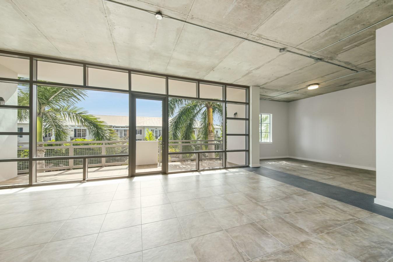 365 SE 6th Avenue 308 Delray Beach, FL 33483 photo 5