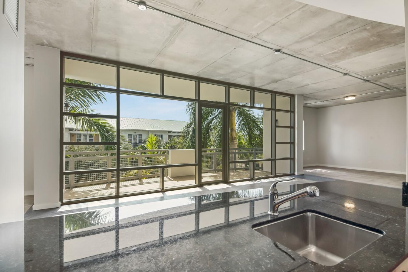 365 SE 6th Avenue 308 Delray Beach, FL 33483 photo 8