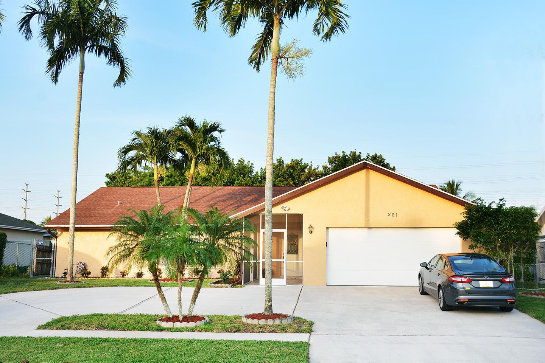 261 Las Palmas Street Royal Palm Beach, FL 33411 photo 3