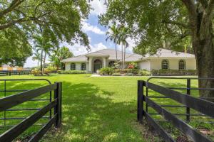 2041  Appaloosa Trail  For Sale 10516219, FL
