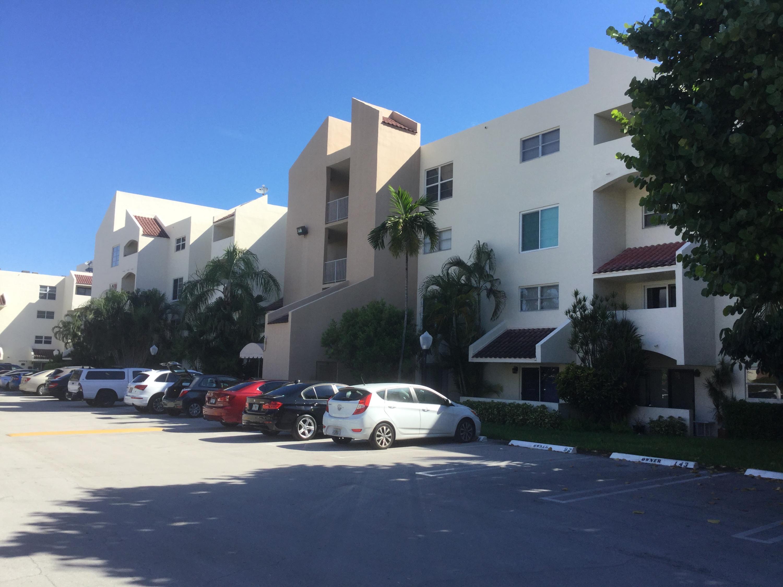 Home for sale in Casa La Quinta Pompano Beach Florida