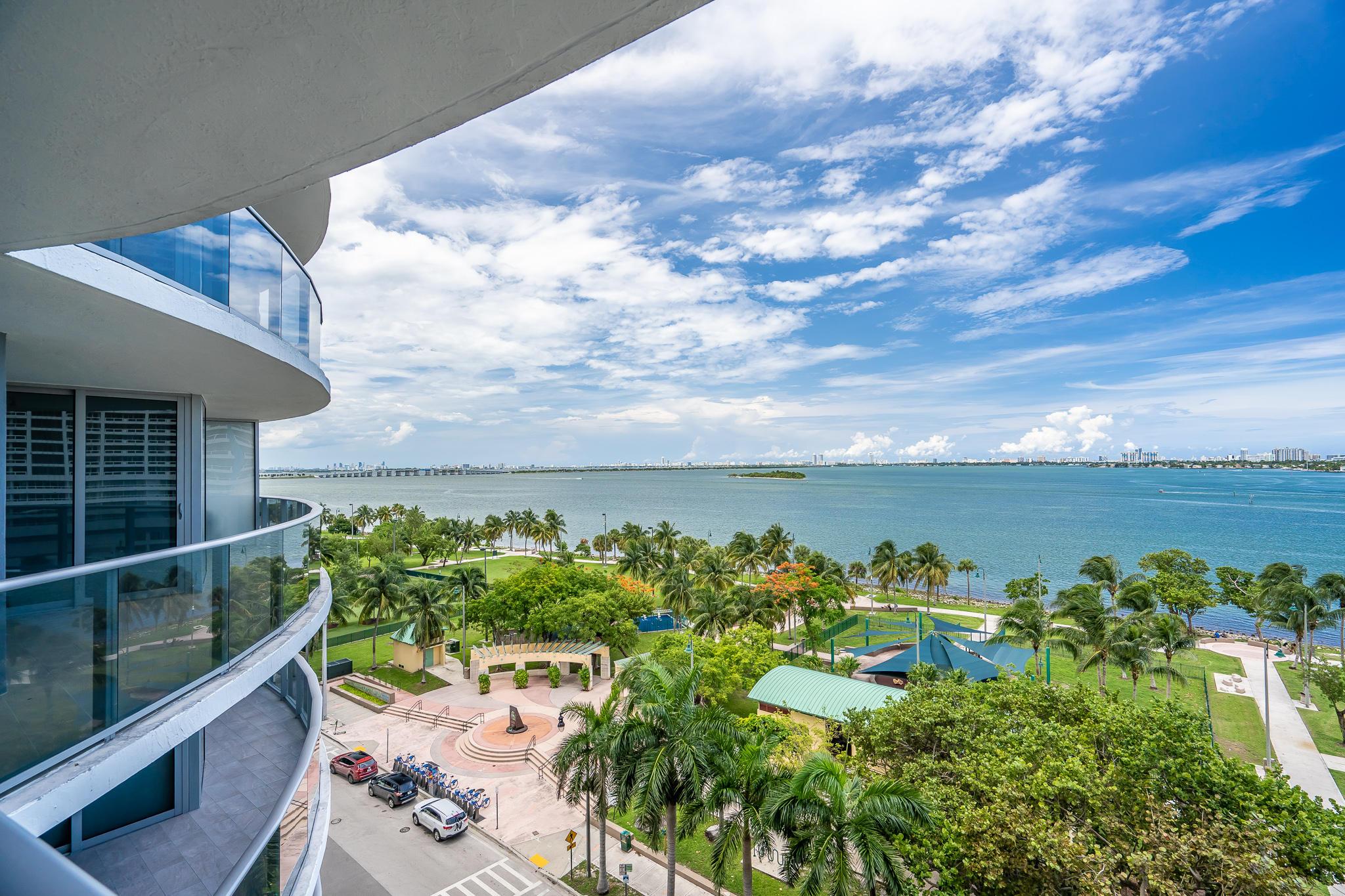 ARIA ON THE BAY MIAMI FLORIDA