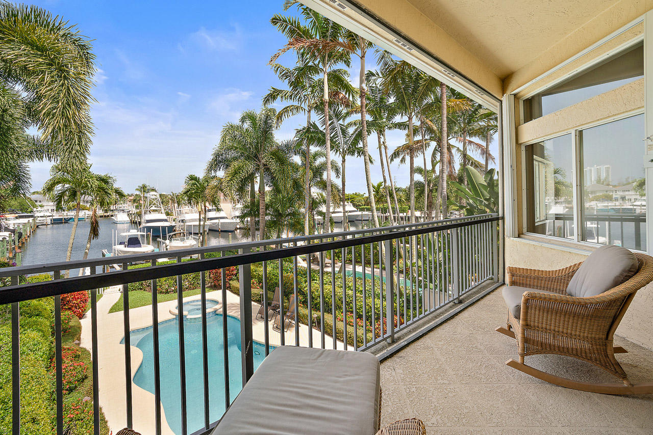 1436 Harbour Point Drive, North Palm Beach, Florida 33410, 4 Bedrooms Bedrooms, ,3.1 BathroomsBathrooms,A,Townhouse,Harbour Point,RX-10542160