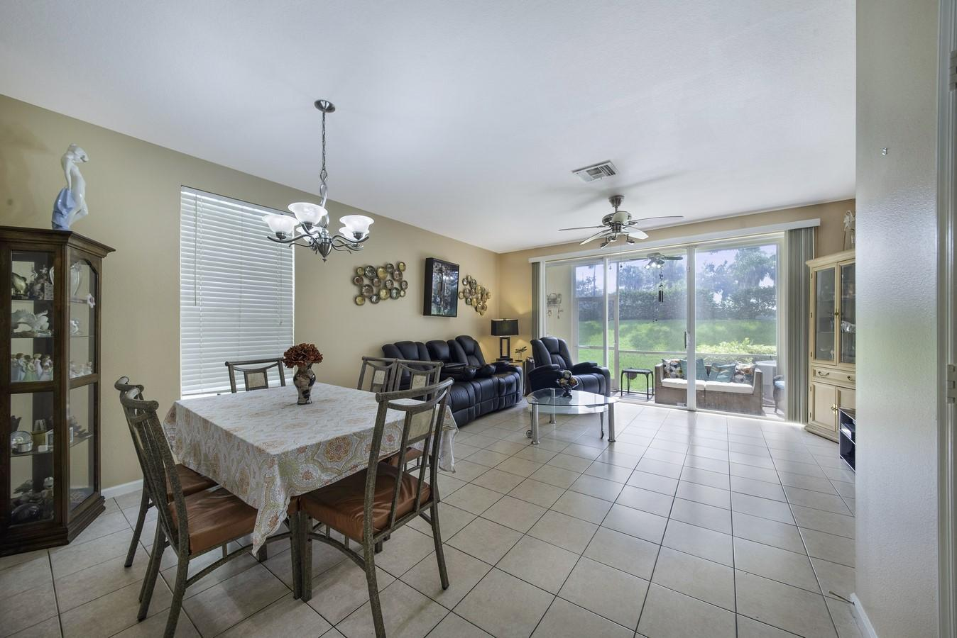 8040 Briantea Drive Boynton Beach, FL 33472 photo 2