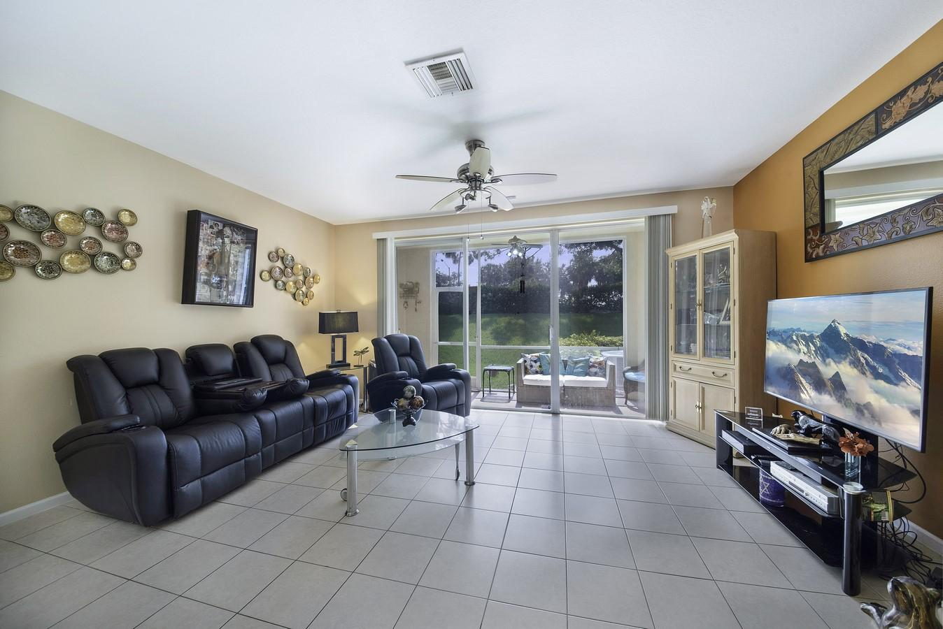 8040 Briantea Drive Boynton Beach, FL 33472 photo 3