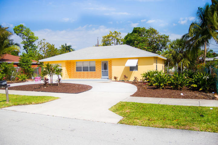 Home for sale in SOUTHRIDGE Delray Beach Florida