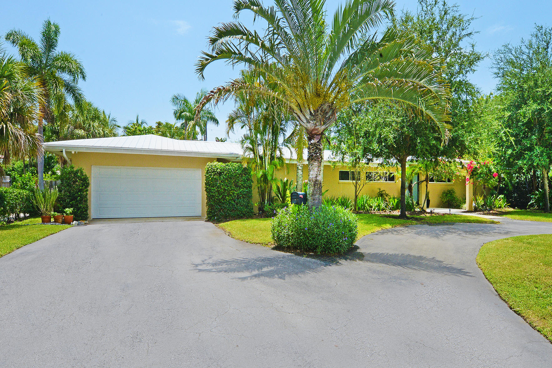 2005 NW 4th Avenue  Delray Beach, FL 33444