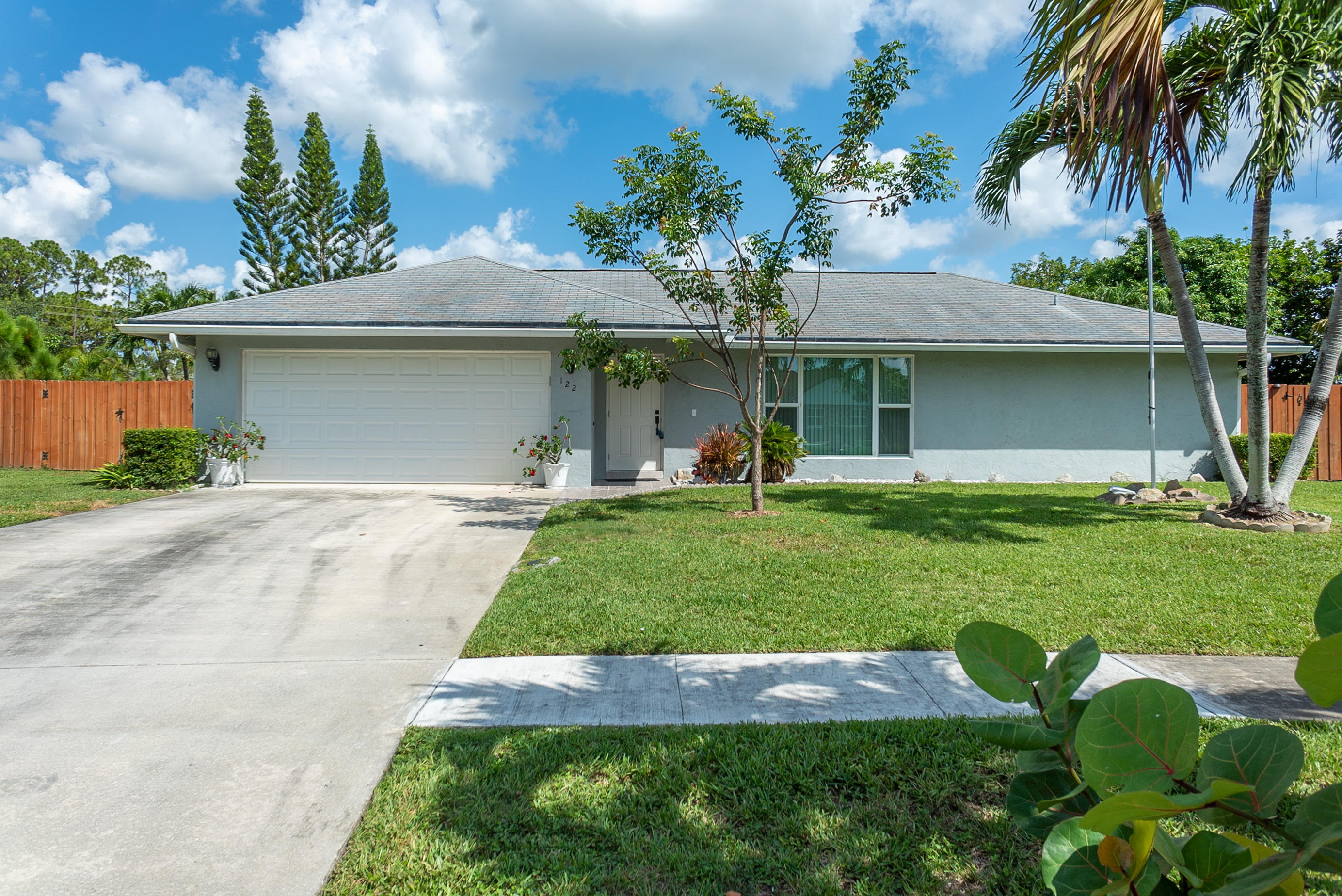 122 Valencia Street Royal Palm Beach, FL 33411
