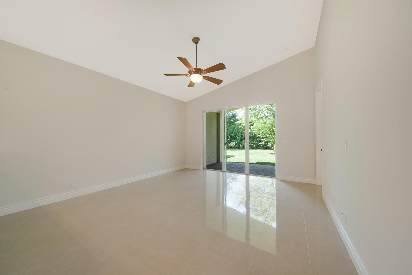 7411 Via Luria Lake Worth, FL 33467 photo 13