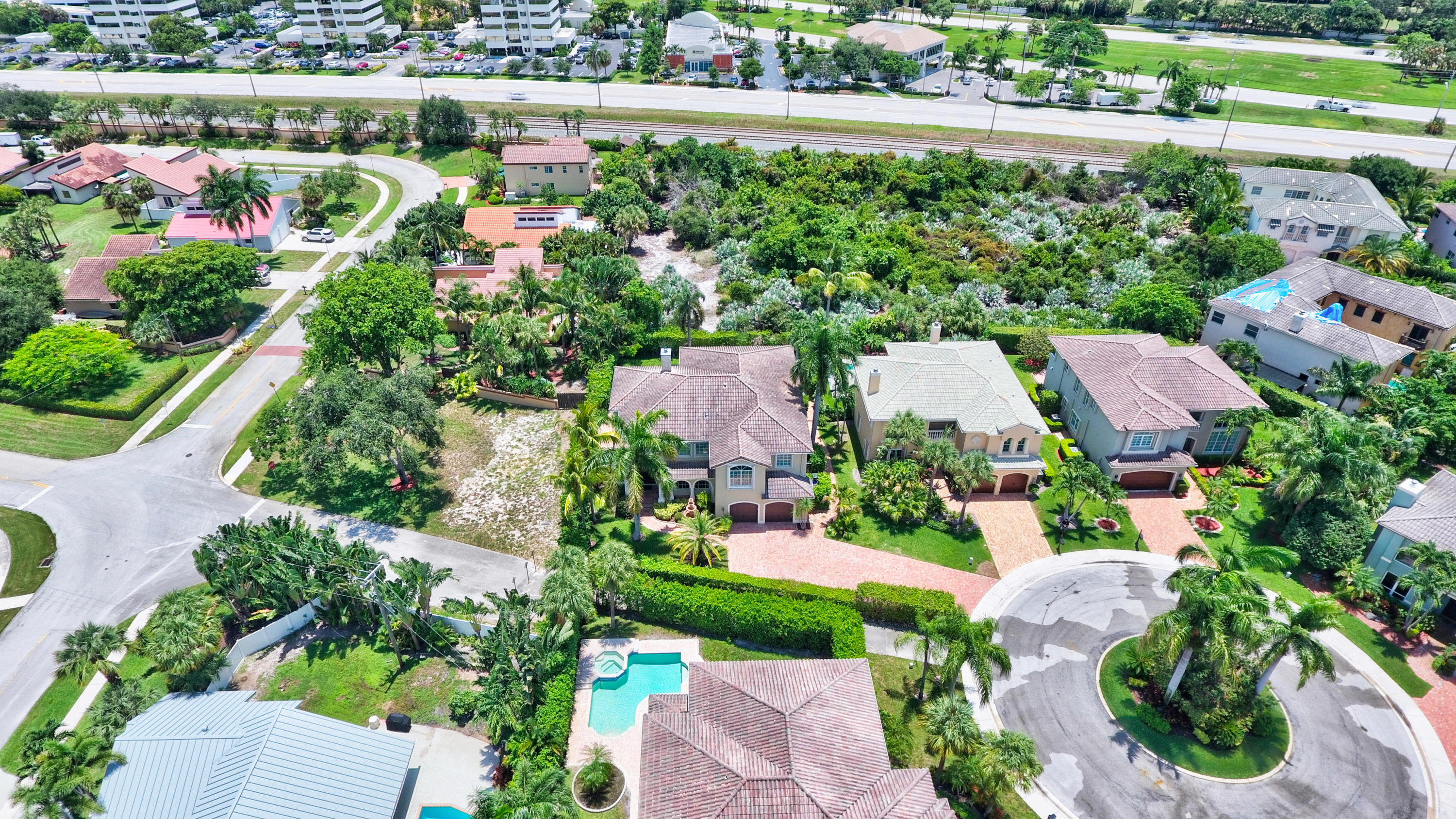 BOCA EAST ESTATES REALTY