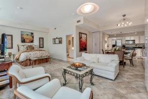 Villa Lofts Condo