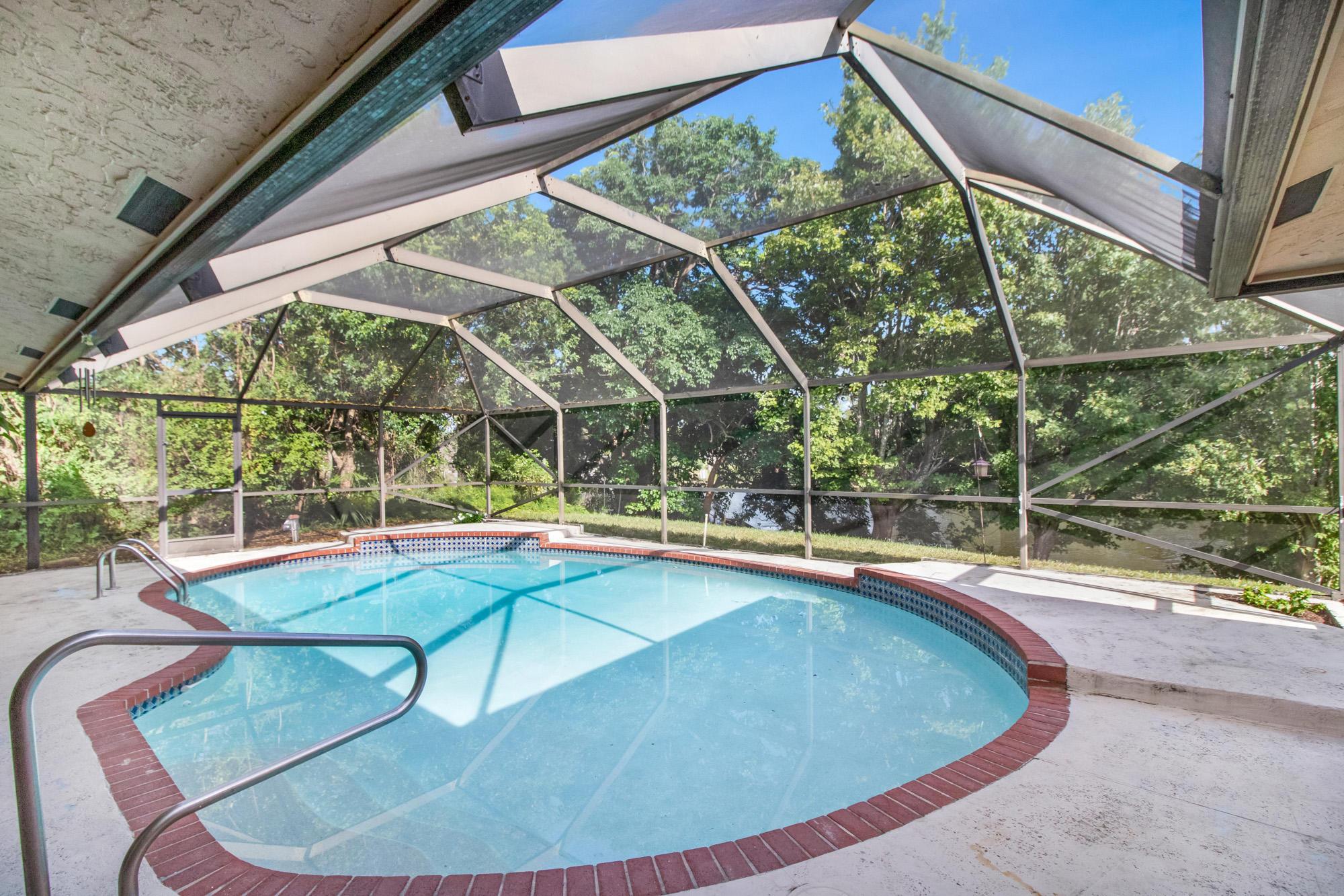 111 Sunflower Circle Royal Palm Beach, FL 33411 photo 21