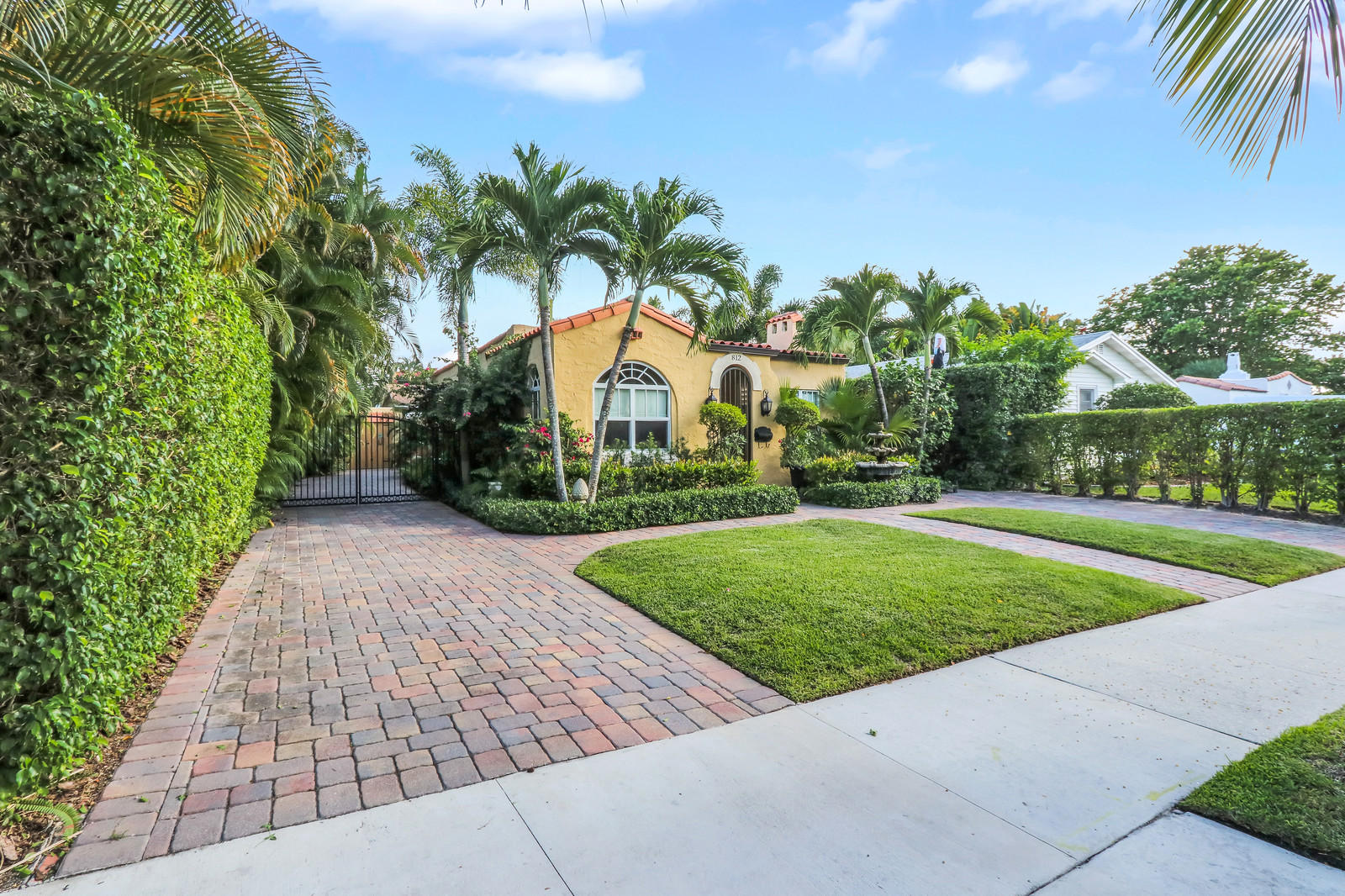 812 Park Place West Palm Beach, FL 33401 photo 1