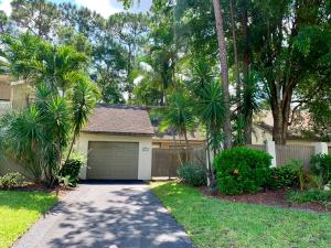 212  Wood Dale Drive  For Sale 10543730, FL