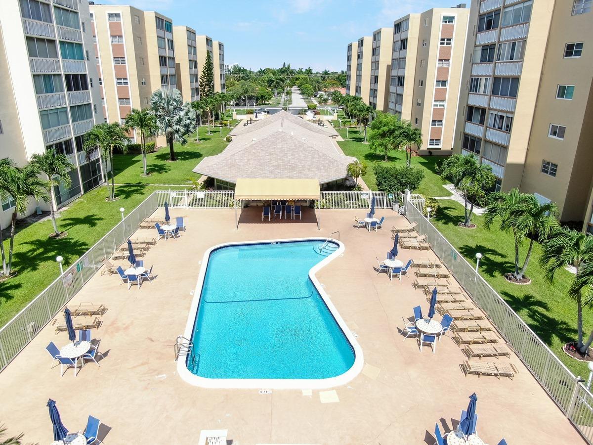 501 NE 14th Avenue 202 Hallandale Beach, FL 33009 photo 16