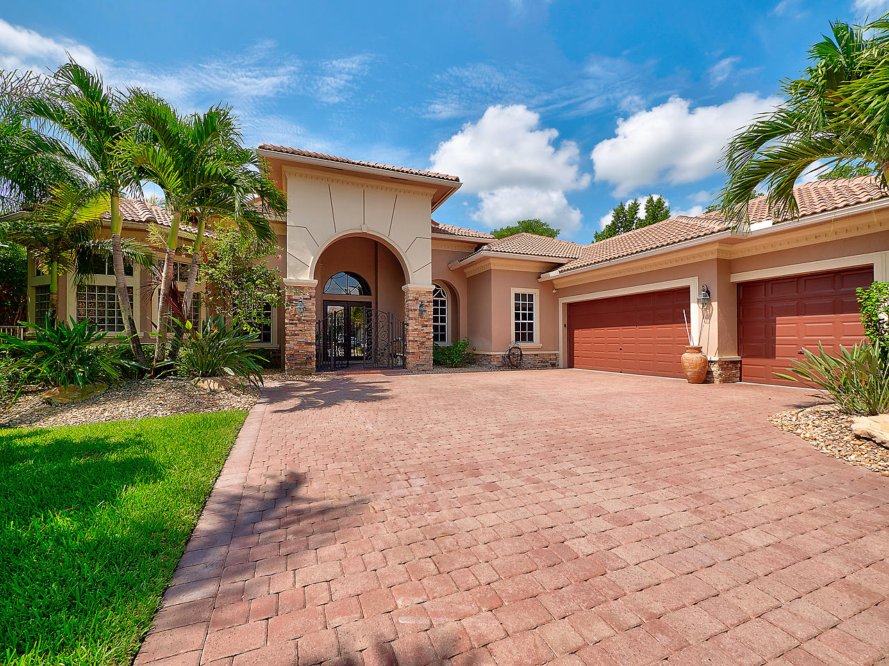 Photo of 12516 Equine Lane, Wellington, FL 33414