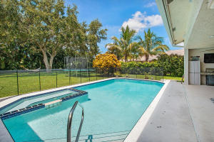 15600  Rolling Meadows Circle  For Sale 10544235, FL