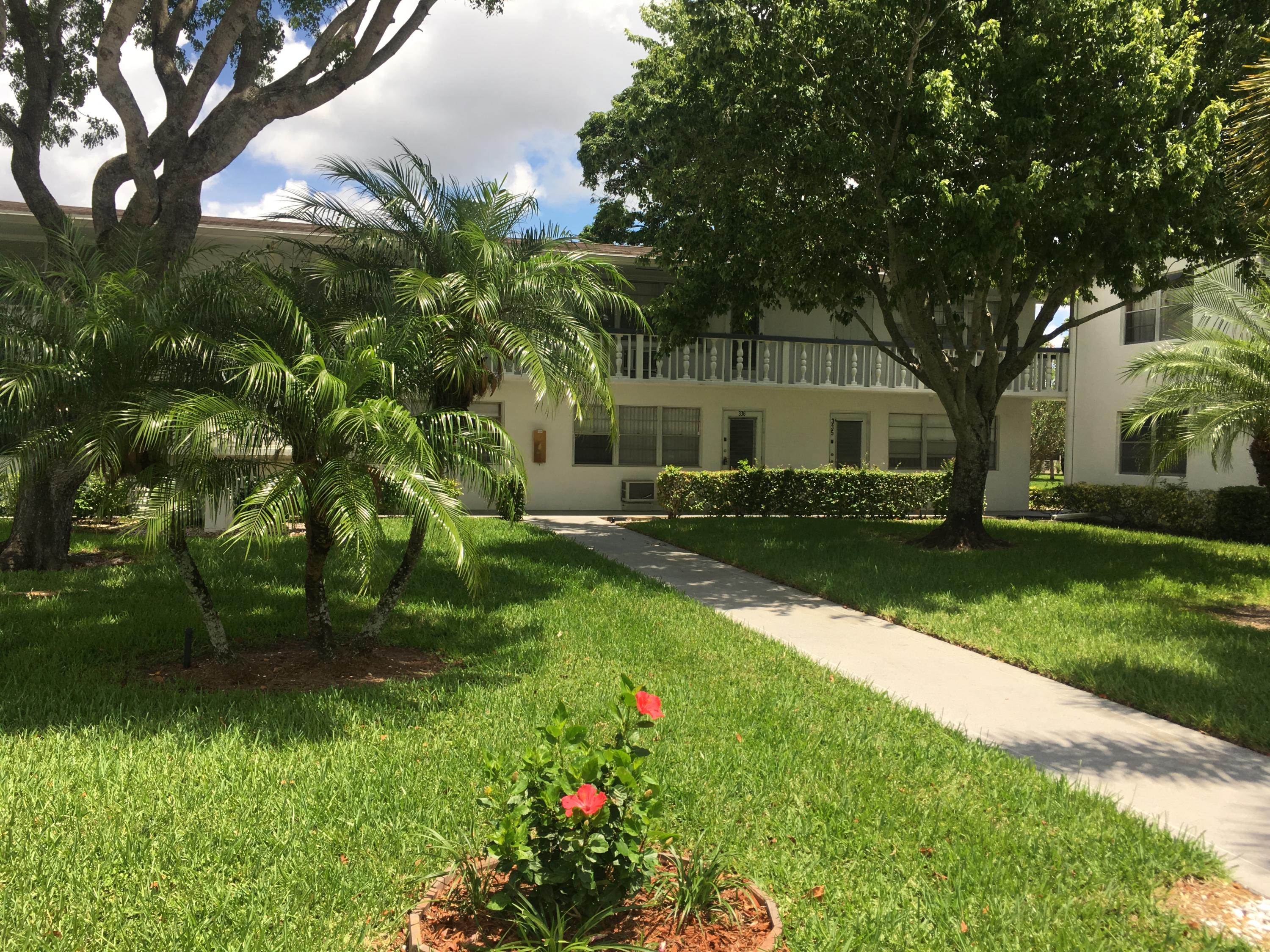 38 Easthampton B, West Palm Beach, Florida 33417, 1 Bedroom Bedrooms, ,1.1 BathroomsBathrooms,Condo/coop,For sale,Easthampton B,RX-10544335