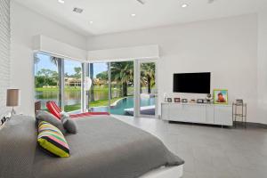 20937 Pacifico Terrace Boca Raton FL 33433 - photo 14