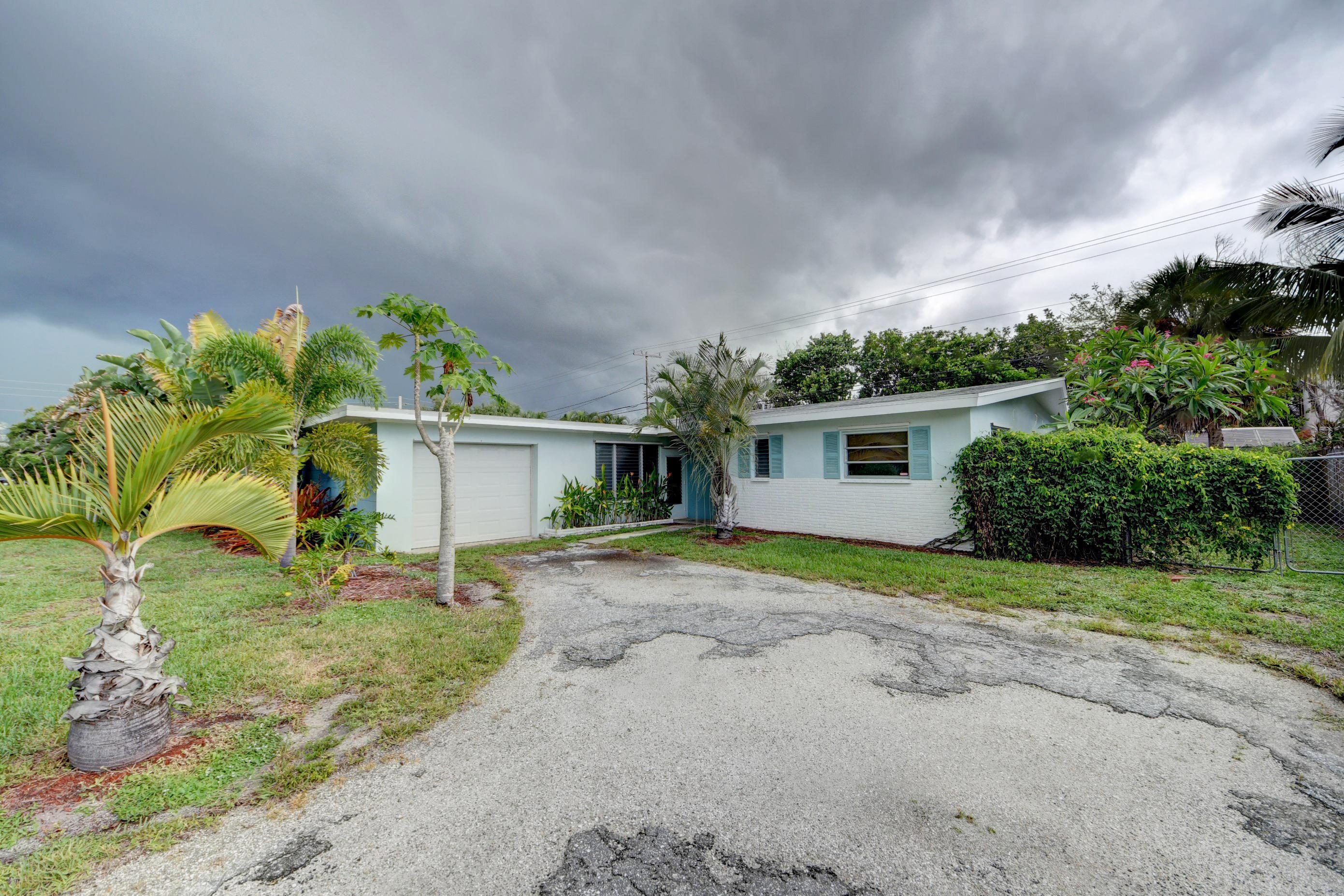 1941 Pleasant Drive, North Palm Beach, Florida 33408, 2 Bedrooms Bedrooms, ,1.1 BathroomsBathrooms,A,Single family,Pleasant,RX-10545128