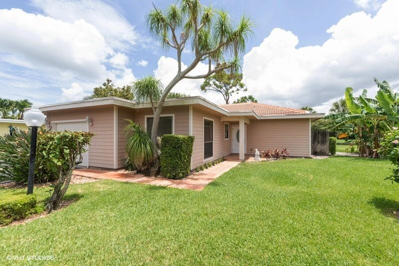 13868 Whispering Lakes Lane, Palm Beach Gardens, Florida 33418, 2 Bedrooms Bedrooms, ,2 BathroomsBathrooms,A,Single family,Whispering Lakes,RX-10541756