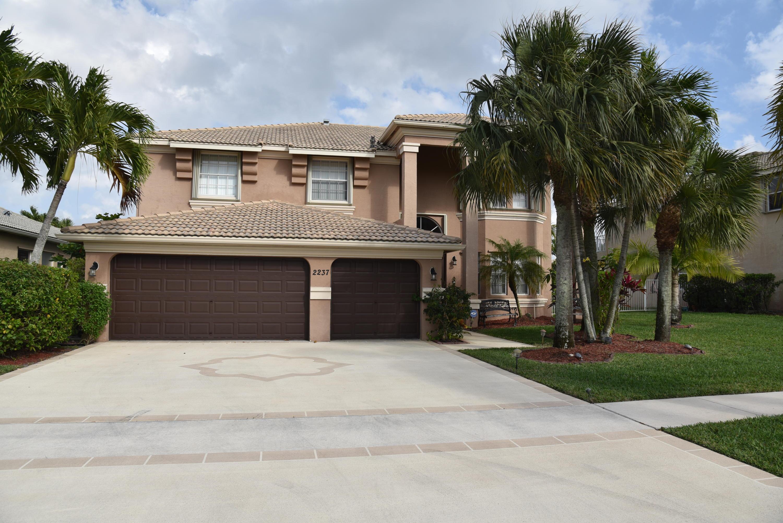 2237 Ridgewood Circle Royal Palm Beach, FL 33411