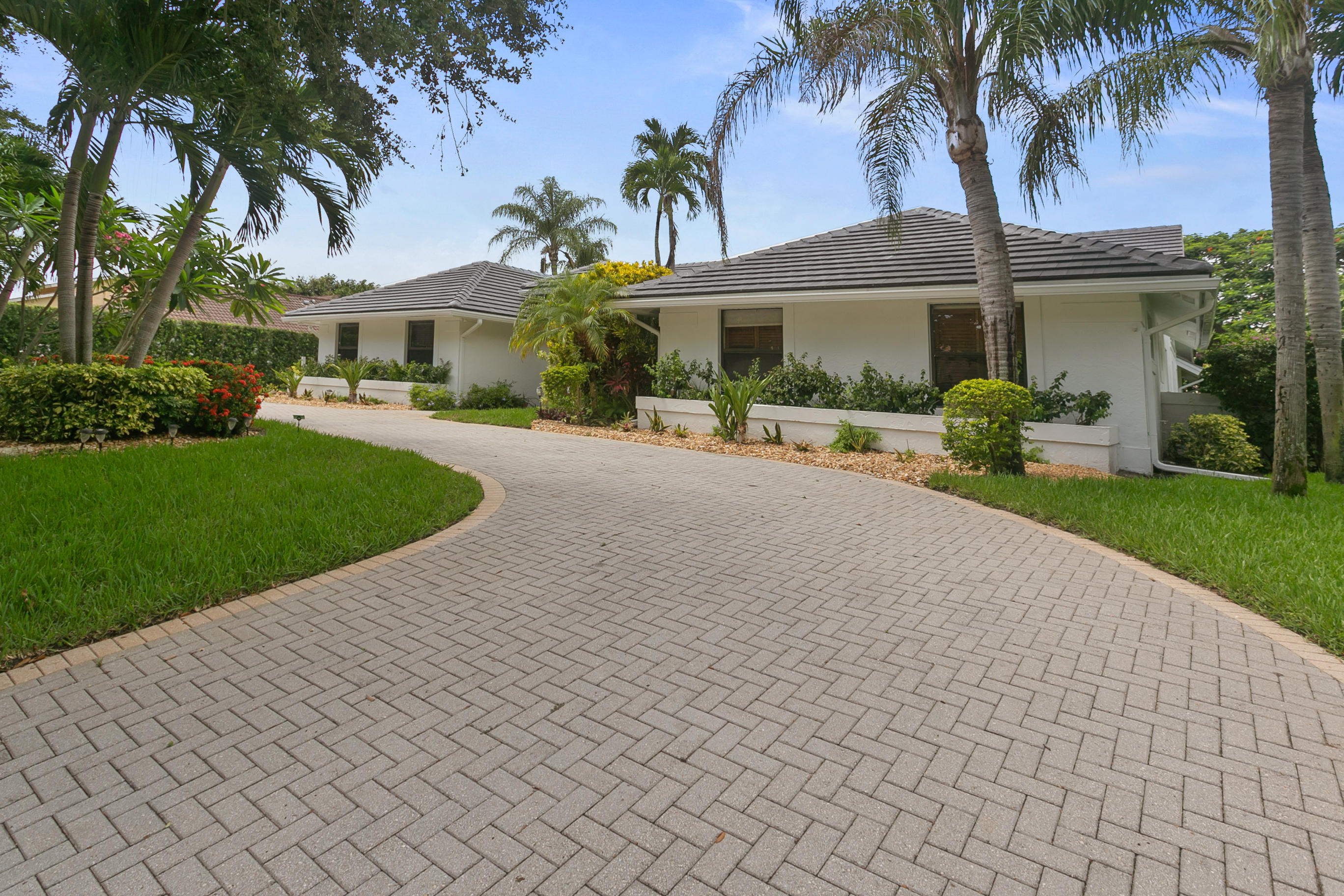 Photo of 2819 Embassy Drive, West Palm Beach, FL 33401