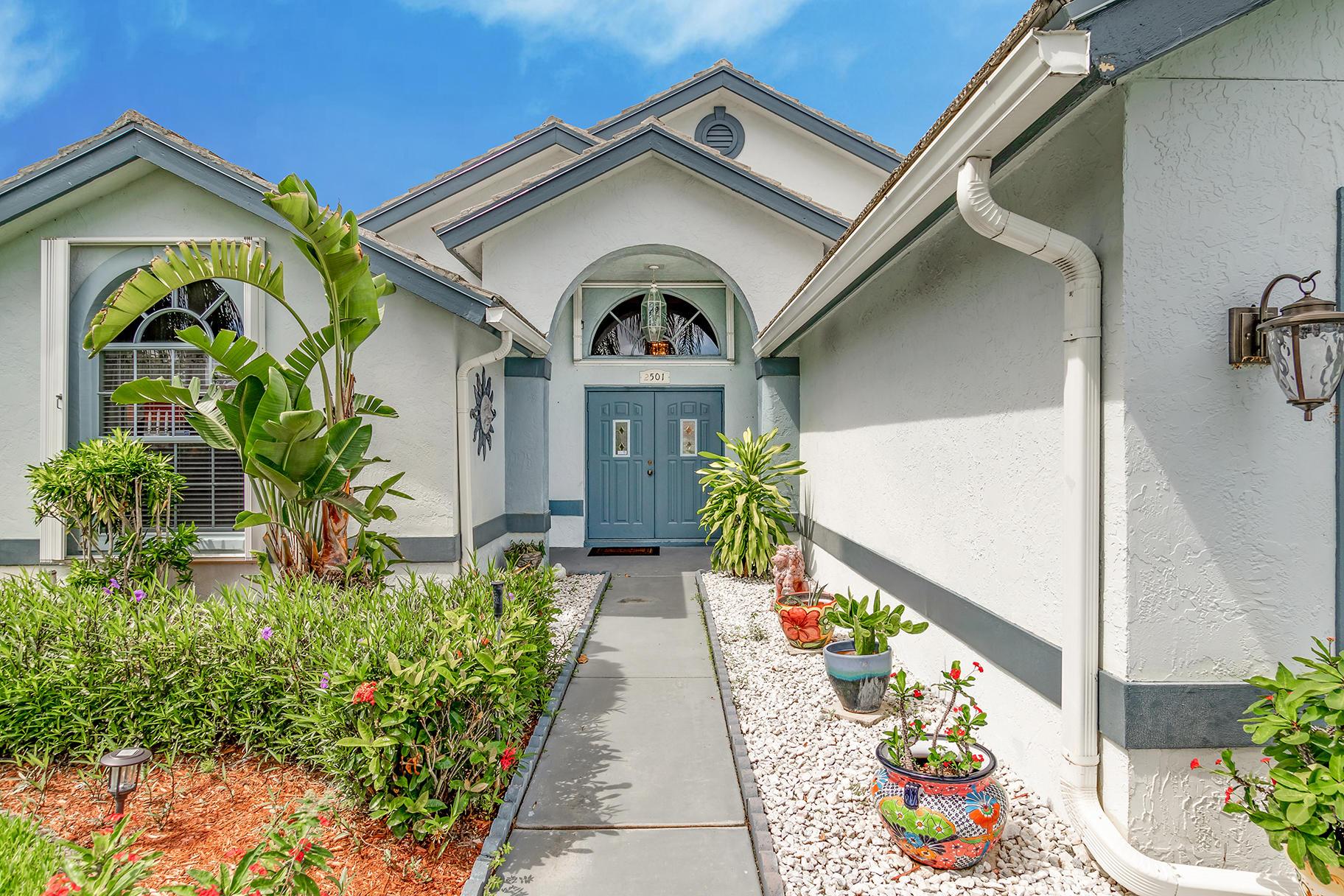 2501 Little Rock Court Wellington, FL 33414 photo 2