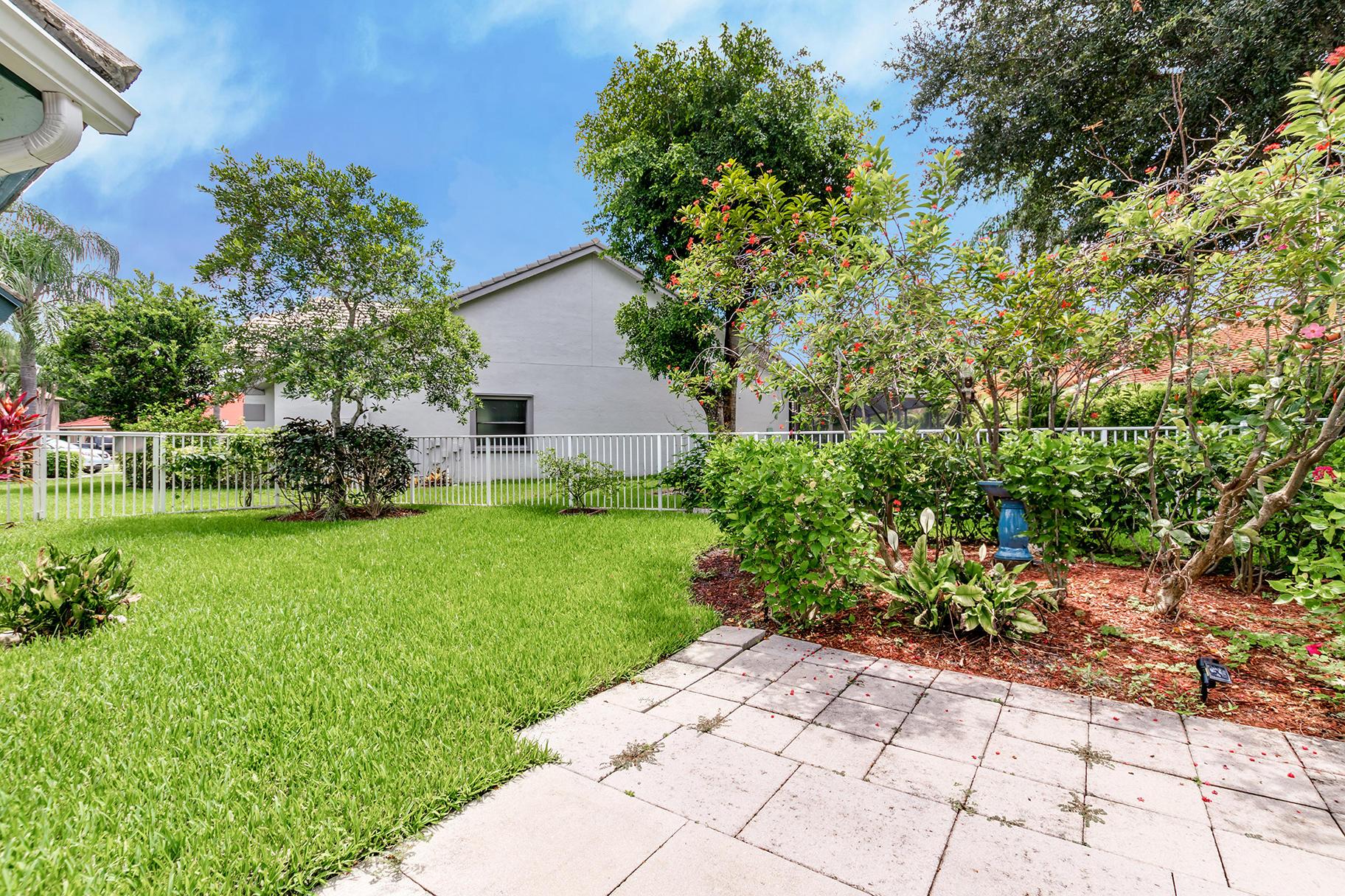 2501 Little Rock Court Wellington, FL 33414 photo 30