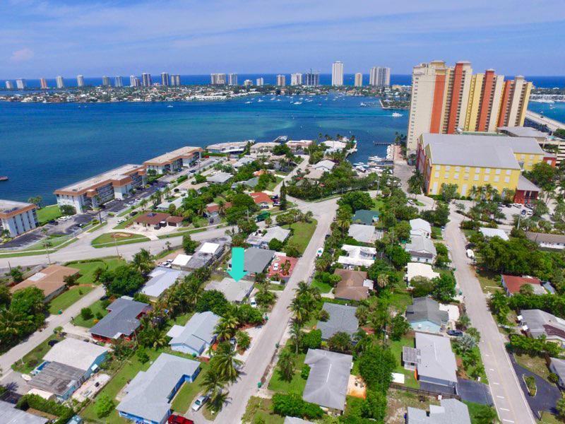 198 E 29th Court - Riviera Beach, Florida