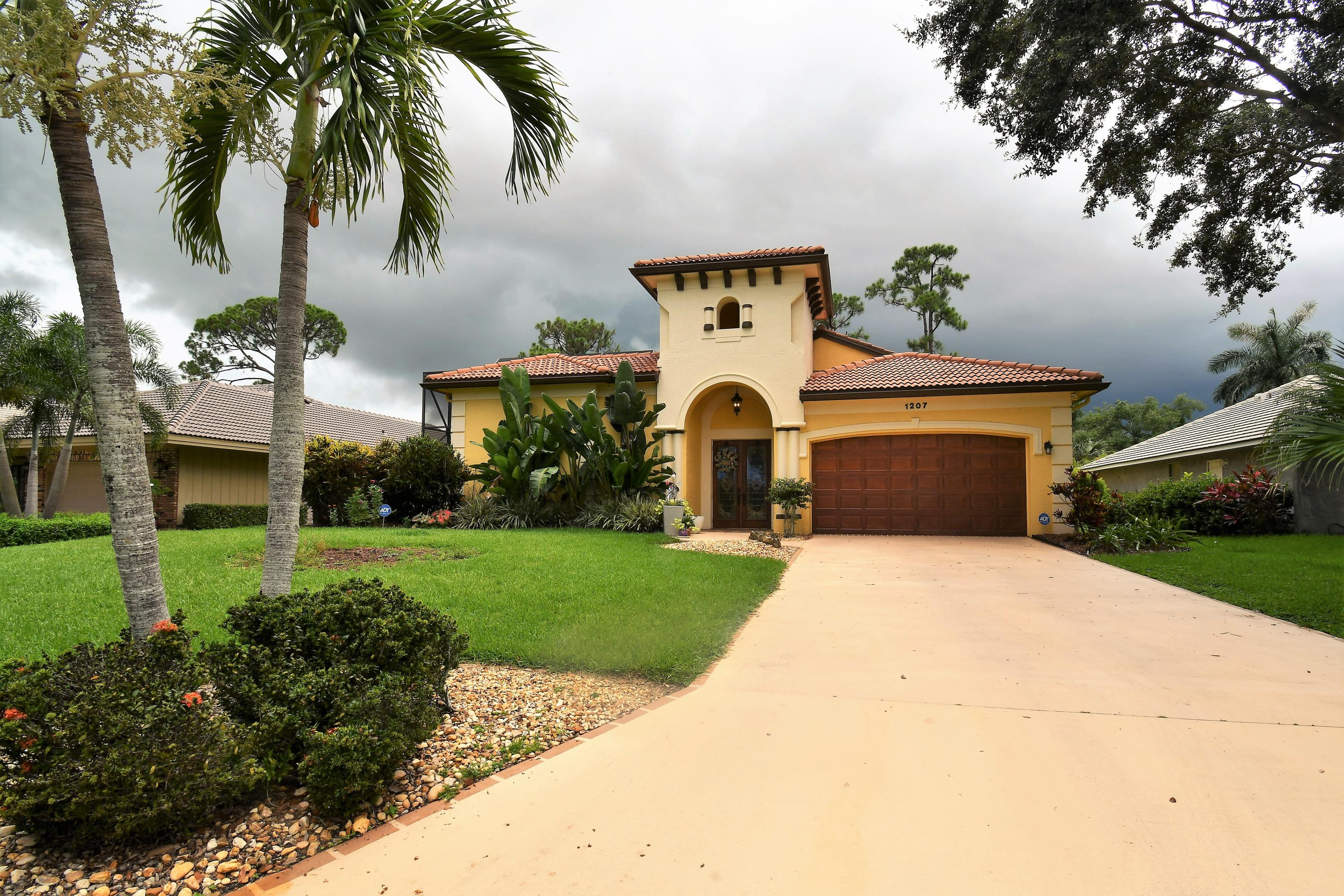Photo of home for sale at 1207 Paradise Cove SW, Port Saint Lucie FL