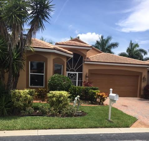 Home for sale in Lacuna Country Club Lake Worth Florida
