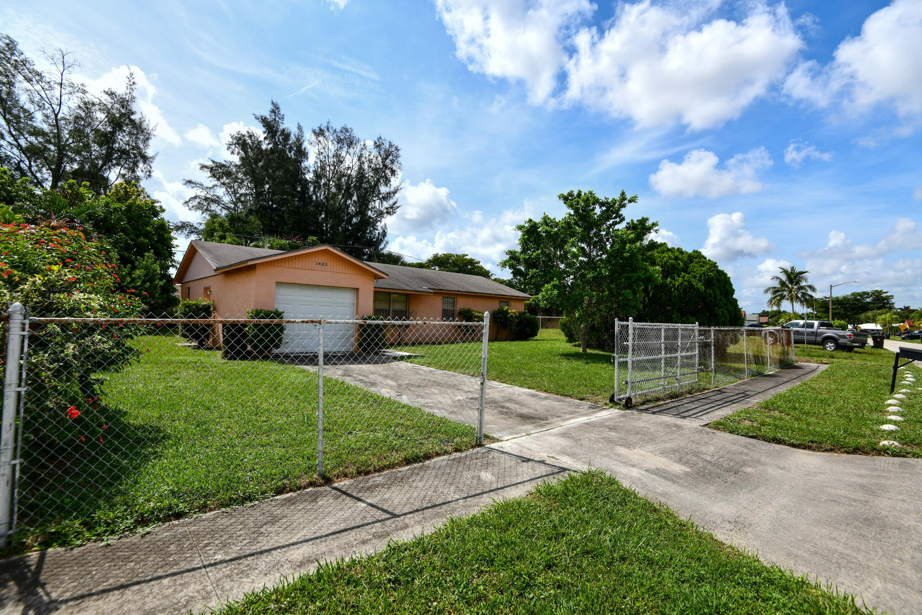Photo of home for sale at 1482 Mangonia Circle N, West Palm Beach FL
