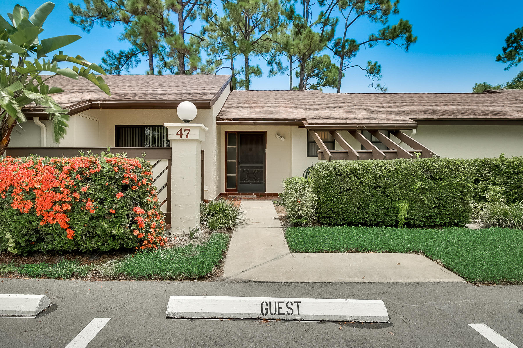 Photo of home for sale at 47 Candlenut Court, Royal Palm Beach FL