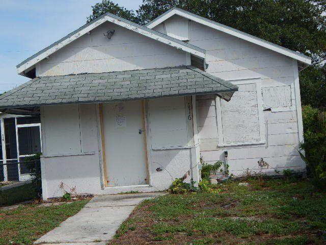 Photo of home for sale at 116 C Street S, Lake Worth Beach FL