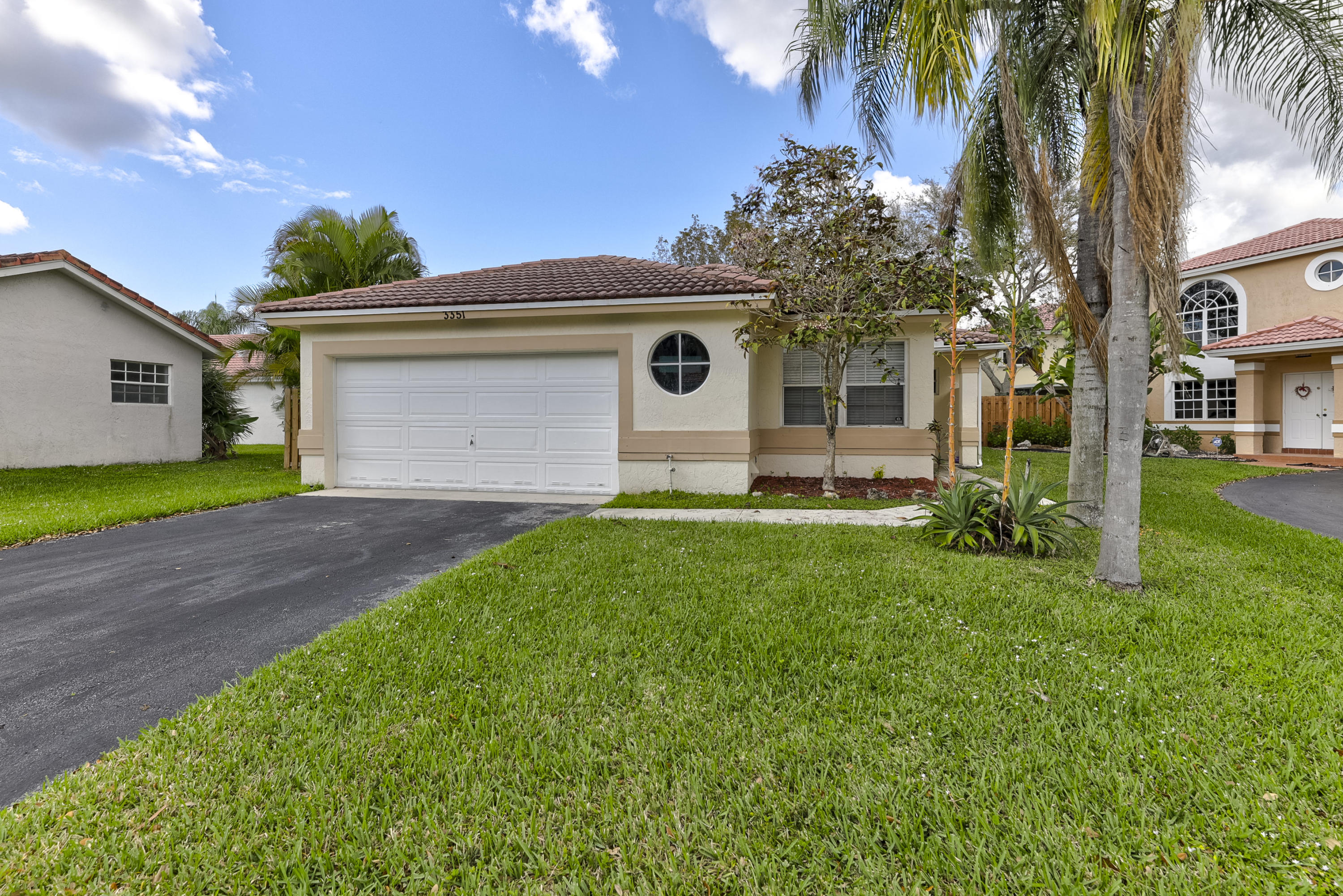 Photo of home for sale at 3351 78 Avenue NW, Margate FL