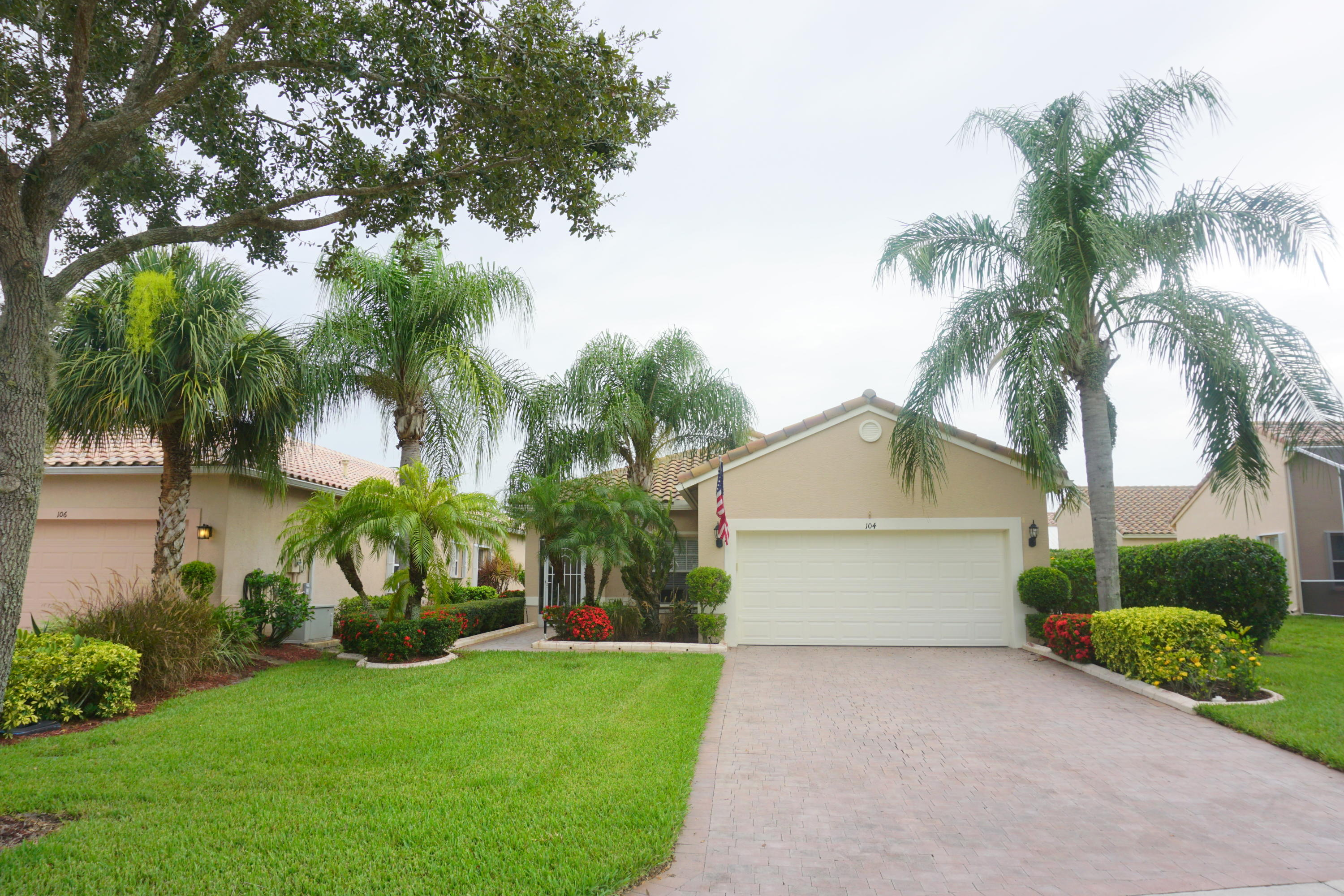 Photo of home for sale at 104 Baycrest Court NW, Port Saint Lucie FL