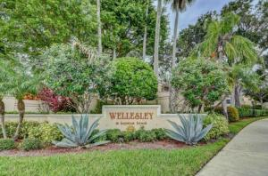 2702  Amherst Court  For Sale 10549420, FL