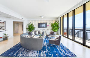 701 S Olive Avenue 1810 For Sale 10546467, FL
