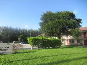 Lakeview Gardens Condo