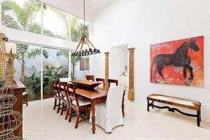 2544  Sheltingham Drive  For Sale 10547322, FL