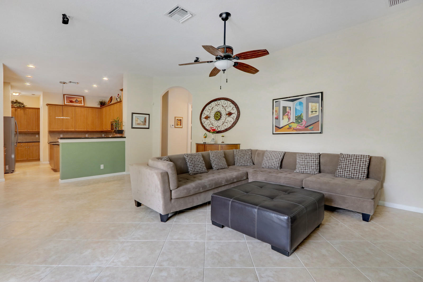 127 Palm Beach Plantation Boulevard Royal Palm Beach, FL 33411 small photo 11