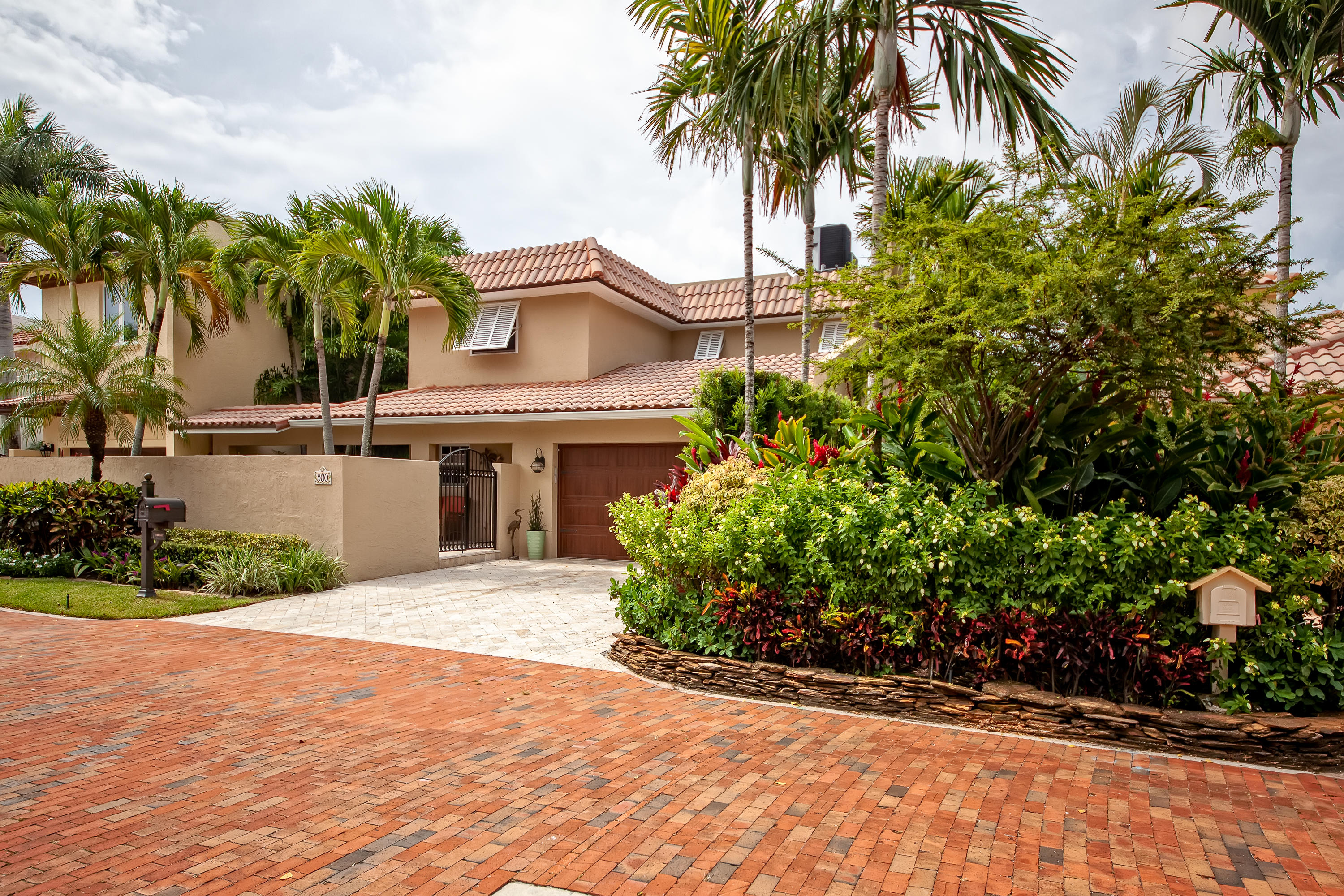 500 Commodore Circle  Delray Beach, FL 33483
