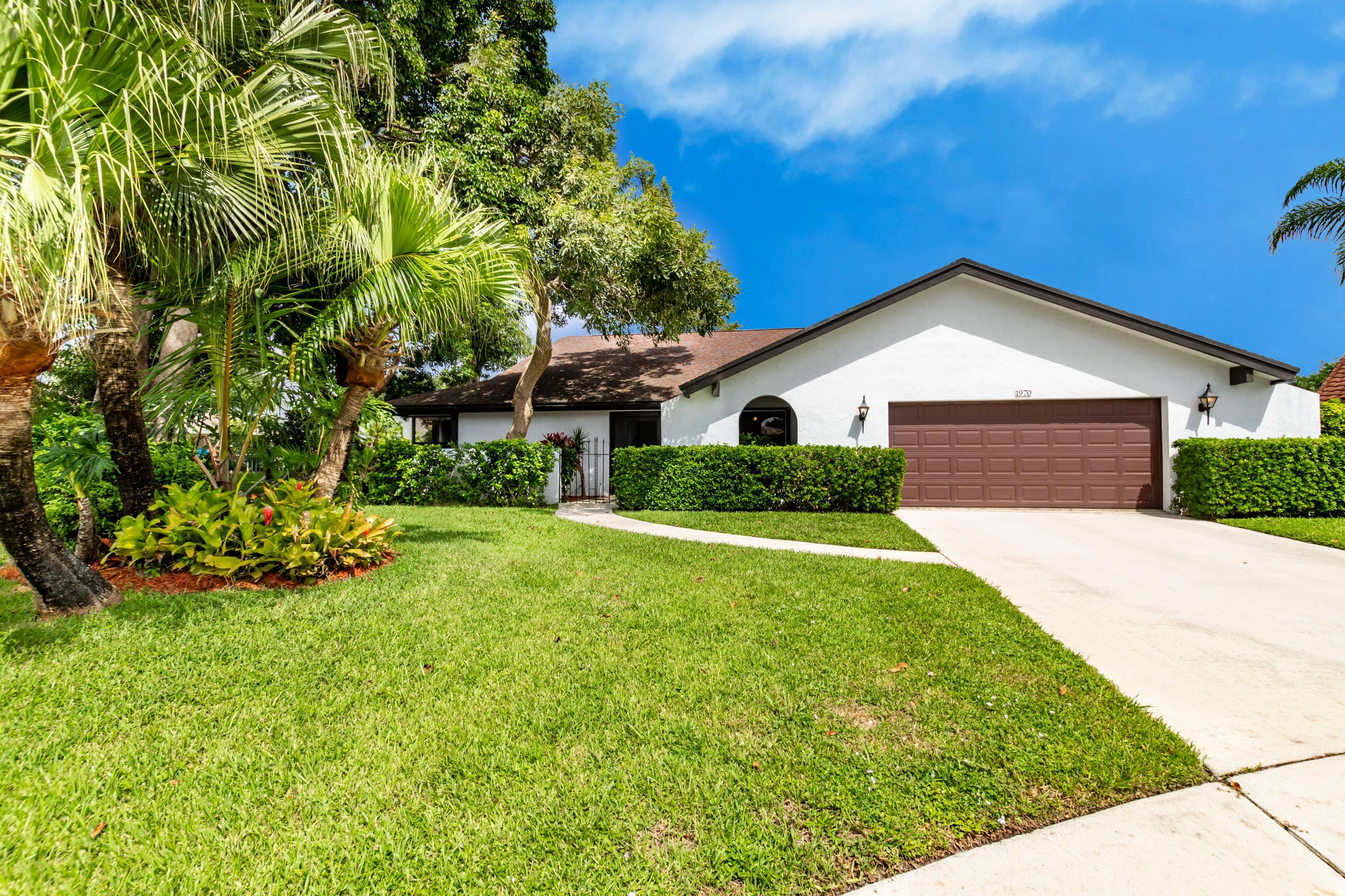 Home for sale in SUGAR POND MANOR OF WELLINGTON Wellington Florida