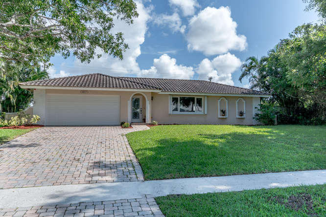 3537 Lakeview Boulevard  Delray Beach, FL 33445