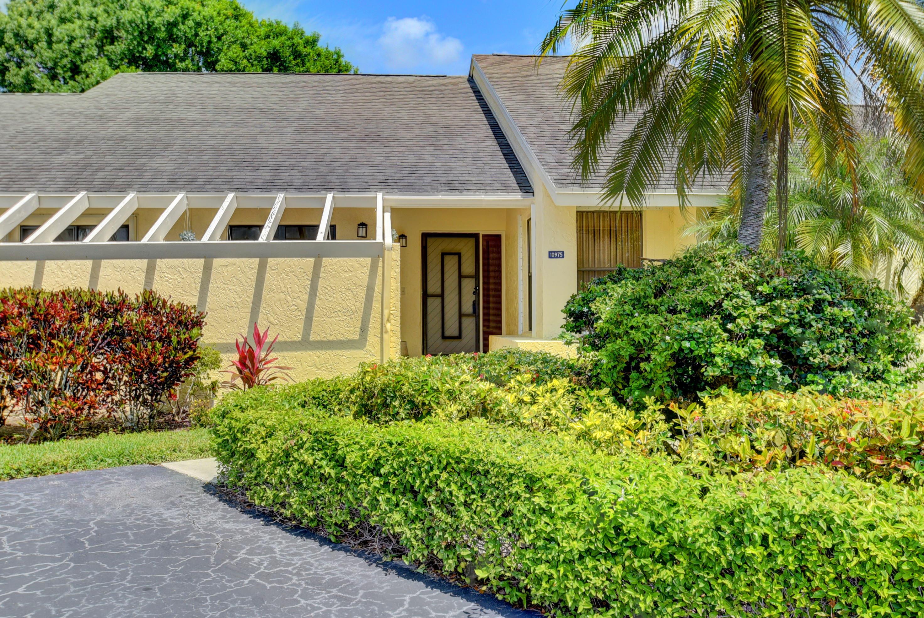 10975 Water Oak Manor Boca Raton, FL 33498 photo 3